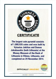 """Guinness World Records"" sertifikatas ""Largest coin pyramid"""